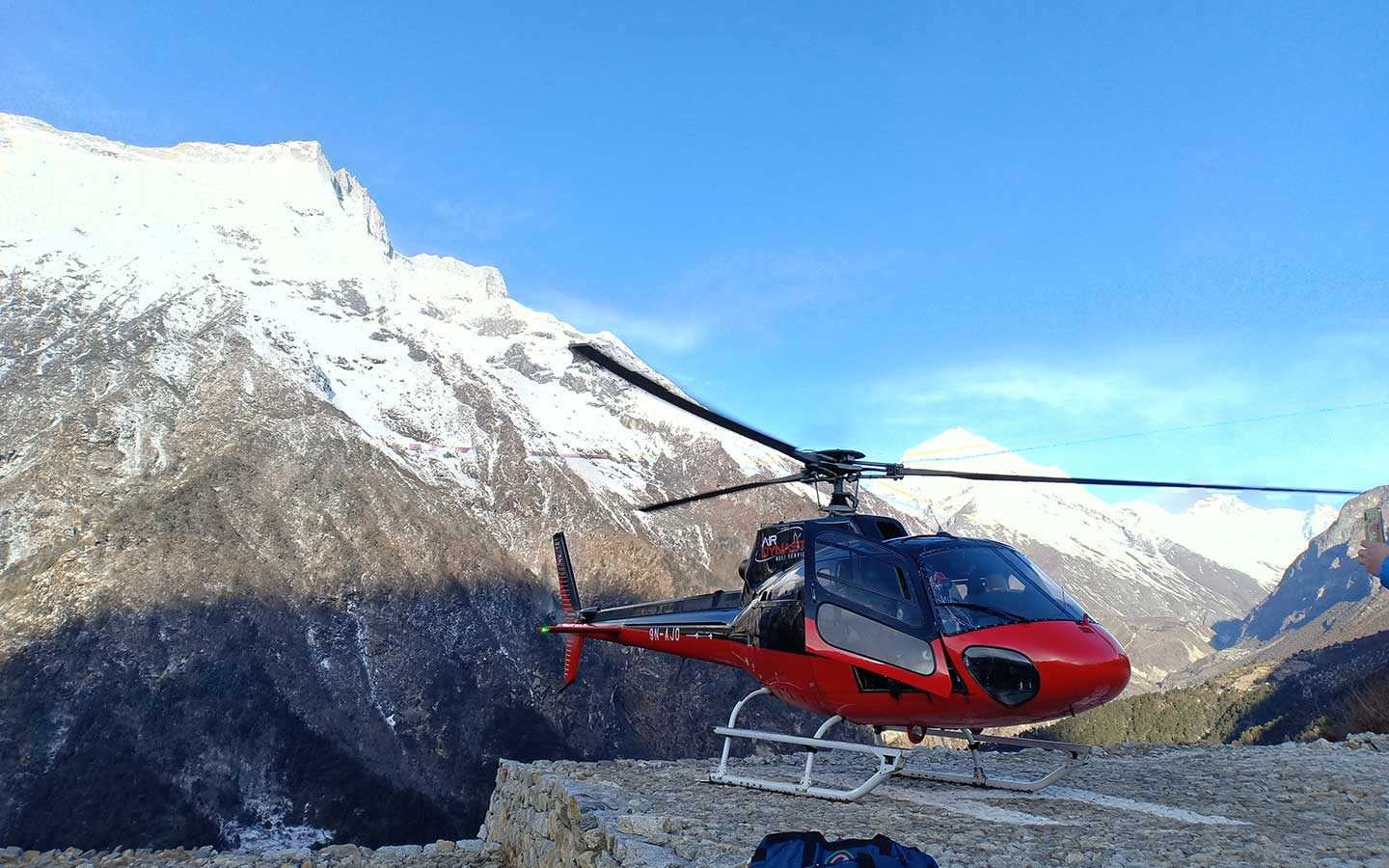 best time for everest base camp helicopter tour